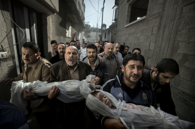 © Paul Hansen World Press Photo of the Year Spot News 1st prize singles 2013